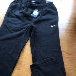 Nike men's sweatpants size small box 46